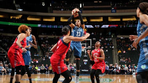 Lynx sign All-Star center Sylvia Fowles to extension