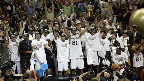 2005 San Antonio Spurs (59-23, 16-7)