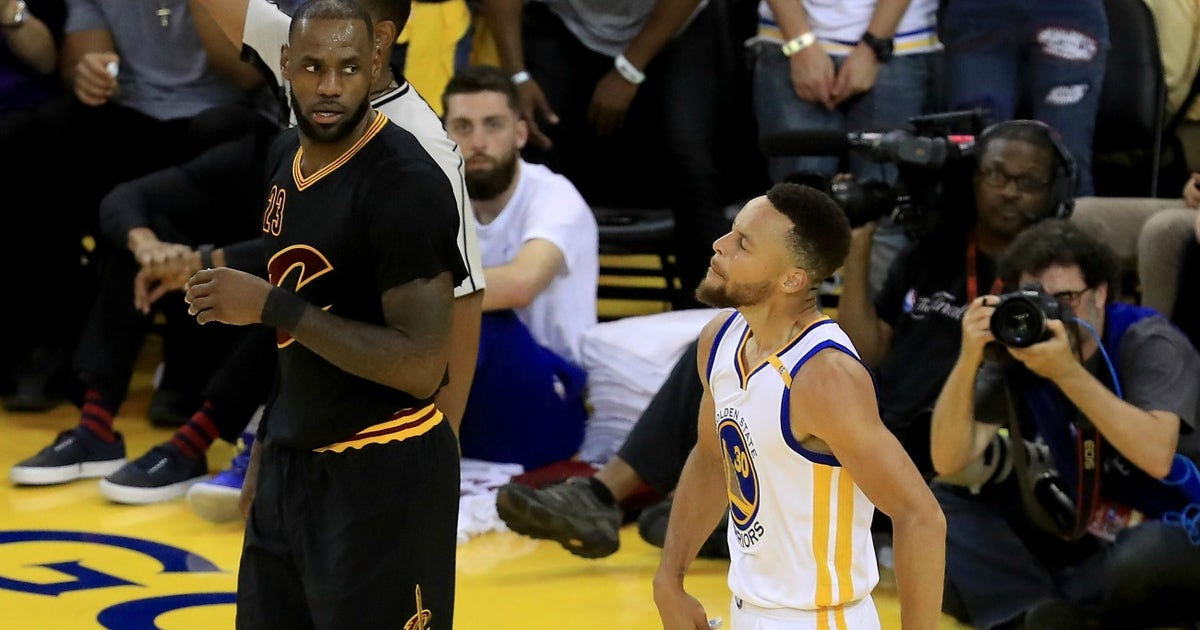 1858f3f0ea3 Here s slow-motion proof Steph Curry s Game 2 move on LeBron was a  double-dribble