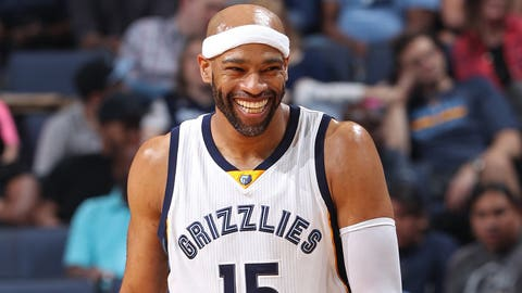 MEMPHIS, TN - APRIL 12:  Vince Carter #15 of the Memphis Grizzlies smiles during the game against the Dallas Mavericks on April 12, 2017 at FedEx Forum in Memphis, Tennessee. NOTE TO USER: User expressly acknowledges and agrees that, by downloading and/or using this photograph, user is consenting to the terms and conditions of the Getty Images License Agreement. Mandatory Copyright Notice: Copyright 2017 NBAE (Photo by Joe Murphy/NBAE via Getty Images)