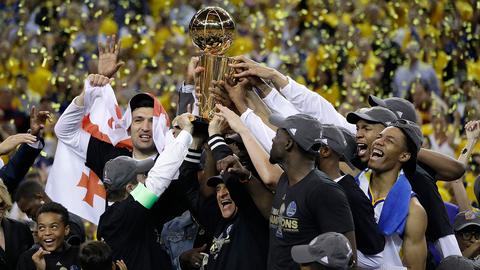 2017 Golden State Warriors | 16-1 | .941 winning %