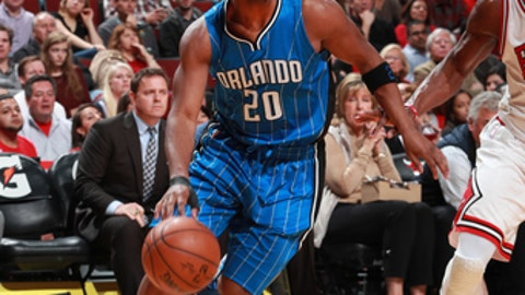 CHICAGO, IL - APRIL 10:  Jodie Meeks #20 of the Orlando Magic handles the ball during a game against the Chicago Bulls on April 10, 2017 at the United Center in Chicago, Illinois. NOTE TO USER: User expressly acknowledges and agrees that, by downloading and/or using this photograph, user is consenting to the terms and conditions of the Getty Images License Agreement. Mandatory Copyright Notice: Copyright 2017 NBAE (Photo by Jeff Haynes/NBAE via Getty Images)