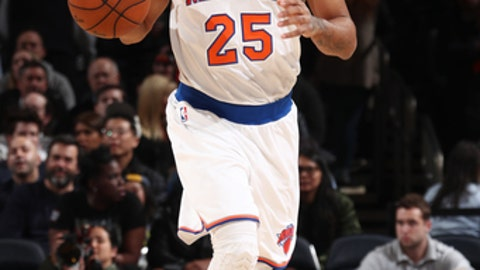 NEW YORK, NY - MARCH 27:  Derrick Rose #25 of the New York Knicks handles the ball during a game against the Detroit Pistons on March 27, 2017 at Madison Square Garden in New York City, New York. NOTE TO USER: User expressly acknowledges and agrees that, by downloading and/or using this photograph, user is consenting to the terms and conditions of the Getty Images License Agreement. Mandatory Copyright Notice: Copyright 2017 NBAE (Photo by Nathaniel S. Butler/NBAE via Getty Images)