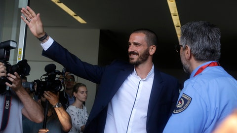 AC Milan Confirm Bonucci Signing From Juventus