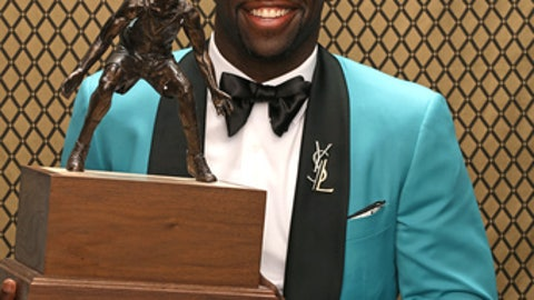 NEW YORK, NY - JUNE 26:  Draymond Green of the Golden State Warriors poses for a portrait after receiving the Kia NBA Defensive Player of the Year Award at the NBA Awards Show on June 26, 2017 at Basketball City at Pier 36 in New York City, New York. NOTE TO USER: User expressly acknowledges and agrees that, by downloading and or using this photograph, user is consenting to the terms and conditions of Getty Images License Agreement. Mandatory Copyright Notice: Copyright 2017 NBAE (Photo by Michael J. LeBrecht II/NBAE via Getty Images)