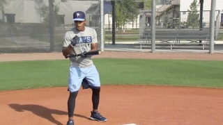 Mallex Smith explains the fundamentals of bunting