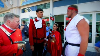 Chargers offensive lineman Kenny Wiggins explores Comic-Con in San Diego