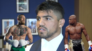 Despite 'cheap shot', Victor Ortiz isn't rooting against Floyd Mayweather