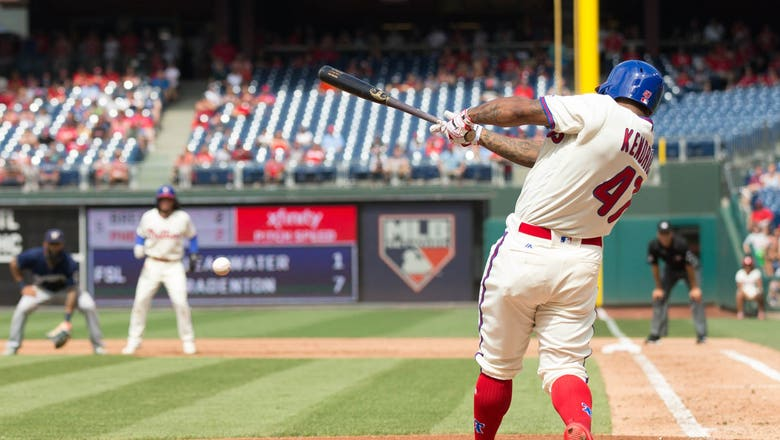 Peralta solid in return, but Brewers fall to Phillies