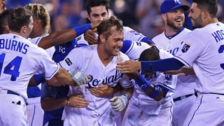 WATCH: Royals get walk-off win off Gordon's sac fly