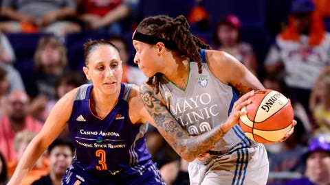 Moore, Augustus power Lynx; Mercury star Griner injures knee