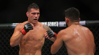 Chris Weidman submits Kelvin Gastelum in front of hometown crowd for UFC Fight Night win