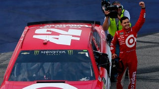 Kyle Larson powers to the lead to claim overtime win at Michigan