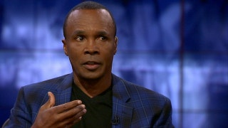 Sugar Ray Leonard: Conor McGregor needs to make it a street fight to beat Floyd Mayweather