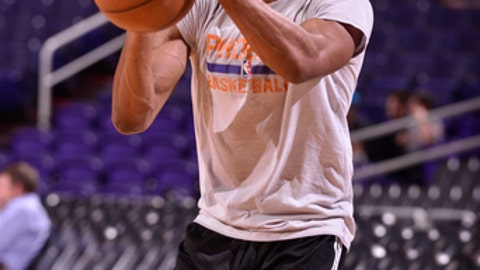 PHOENIX, AZ - MARCH 2: Brandon Knight #11 of the Phoenix Suns warms up before the game against the Charlotte Hornets on March 2, 2017 at Talking Stick Resort Arena in Phoenix, Arizona. NOTE TO USER: User expressly acknowledges and agrees that, by downloading and or using this photograph, user is consenting to the terms and conditions of the Getty Images License Agreement. Mandatory Copyright Notice: Copyright 2017 NBAE (Photo by Barry Gossage/NBAE via Getty Images)