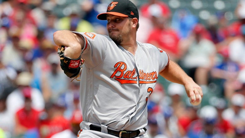 Brewers agree to minor-league deal with LHP Miley