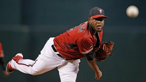 Arizona Diamondbacks' Rubby De La Rosa warms up during the first inning of a baseball game against the Colorado Rockies Wednesday, Sept. 14, 2016, in Phoenix.  The Diamondbacks defeated the Rockies 11-6. (AP Photo/Ross D. Franklin)