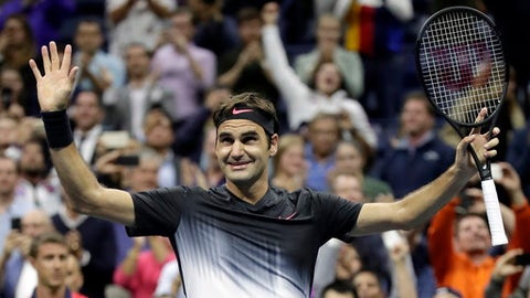 Federer clicks into gear with straight-sets victory
