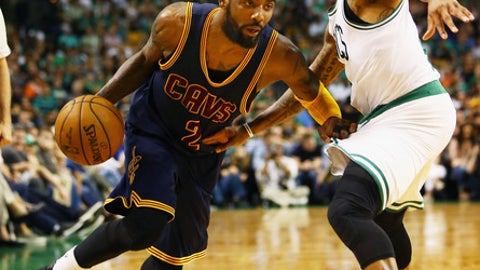 BOSTON, MA - MAY 19: Kyrie Irving #2 of the Cleveland Cavaliers drives to the basket against Isaiah Thomas #4 of the Boston Celtics in the second half during Game Two of the 2017 NBA Eastern Conference Finals at TD Garden on May 19, 2017 in Boston, Massachusetts. NOTE TO USER: User expressly acknowledges and agrees that, by downloading and or using this photograph, User is consenting to the terms and conditions of the Getty Images License Agreement.  (Photo by Adam Glanzman/Getty Images)