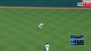 WATCH: Drew Robinson goes airborne, makes incredible catch vs. Tigers