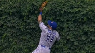 Blue Jays' Kevin Pillar runs into Wrigley outfield wall to rob Kris Bryant