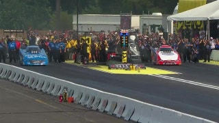 Robert Hight Wins Funny Car Final at Seattle | 2017 NHRA DRAG RACING