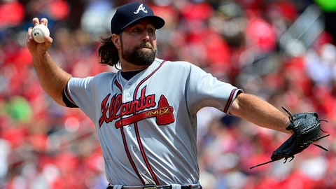 Aug 13, 2017; St. Louis, MO, USA; Atlanta Braves starting pitcher R.A. Dickey (19) pitches during the fifth inning against the St. Louis Cardinals at Busch Stadium. Mandatory Credit: Jeff Curry-USA TODAY Sports