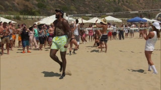 XTRA Point: Fun, sun and volleyball with DeAndre Jordan and friends