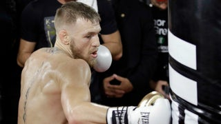 Randy Couture says Conor McGregor 'has a 1 in 10 chance' to beat Floyd Mayweather