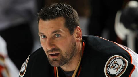 Beauchemin signs one-year contract with Ducks