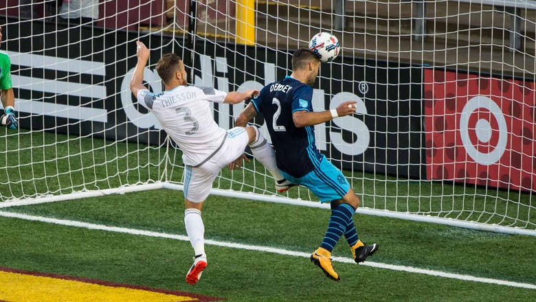 Dempsey scores twice as Minnesota United falls 4-0