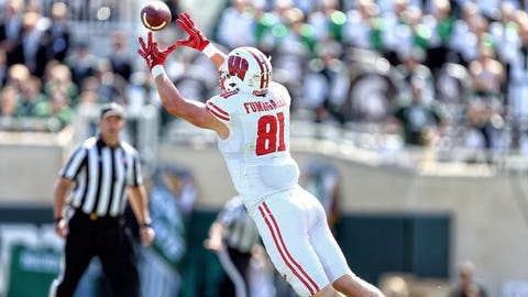 Badgers Crack Top 10 In Football Poll