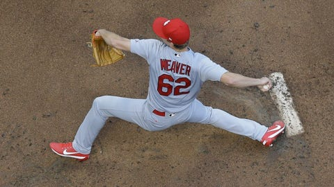 Weaver wins seventh straight as Cardinals pound Reds