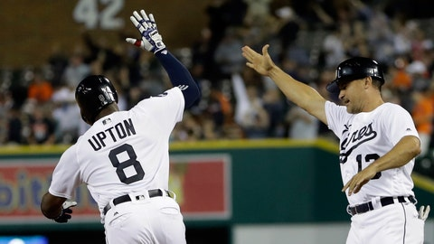 Detroit Tigers trade Justin Upton to LA Angels for pitching prospect