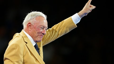 NFL: Pro Football Hall of Fame Game-Enshrinees' Gold Jacket Dinner