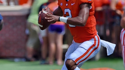 Clemson quarterback Kelly Bryant drops back to pass during the first half of an NCAA college football game against Kent State Saturday, Sept. 2, 2017, in Clemson, S.C. Clemson won 56-3.(AP Photo/Richard Shiro)