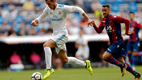 Real held by Levante; Atletico draw