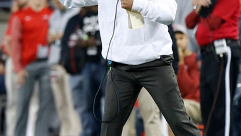 Ohio State head coach Urban Meyer shouts to his team during the first half of an NCAA college football game against Oklahoma Saturday, Sept. 9, 2017, in Columbus, Ohio. (AP Photo/Jay LaPrete)