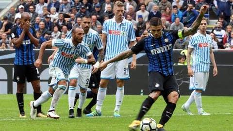 Inter Milan's Mauro Icardi scores during the Serie A soccer match between Inter Milan and Spal, at the San Siro Stadium in Milan, Italy, Sunday, Sept. 10, 2017. (Matteo Bazzi/ANSA via AP)