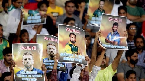 Pakistan beats World XI in final T20, anticipates return of global cricket