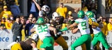 Freeman and Oregon rush past Wyoming as Allen struggles (Sep 16, 2017)