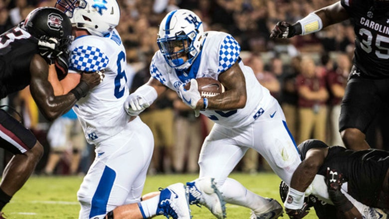 Snell's 2 TDs lead Kentucky to 23-13 win over Gamecocks