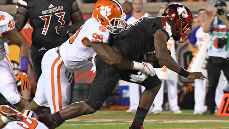 No. 3 Clemson blows out Jackson and No. 14 Louisville, 47-21