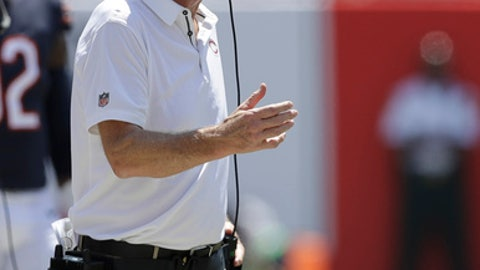 Chicago Bears head coach John Fox gestures from the sidelines, during the first half of an NFL football game against the Tampa Bay Buccaneers, Sunday, Sept. 17, 2017, in Tampa, Fla. (AP Photo/Chris O'Meara)
