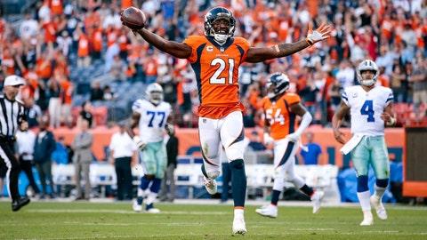 Sep 17, 2017; Denver, CO, USA; Denver Broncos cornerback Aqib Talib (21) runs the ball on a 100 yard interception touchdown return in the fourth quarter at Sports Authority Field at Mile High. Mandatory Credit: Isaiah J. Downing-USA TODAY Sports