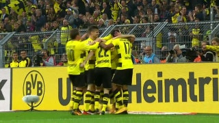 Maximilian Philipp finishes volley for Dortmund lead | 2017-18 Bundesliga Highlights