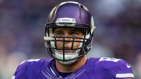 Vikings add long snapper, move G Nick Easton to IR