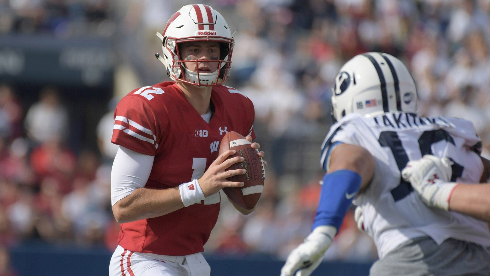 size 40 80973 0877a Alex Hornibrook stars as Badgers roll to 3-0 record