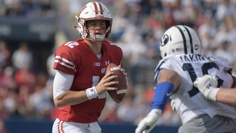 Hornibrook stars as Badgers roll to 3-0 record