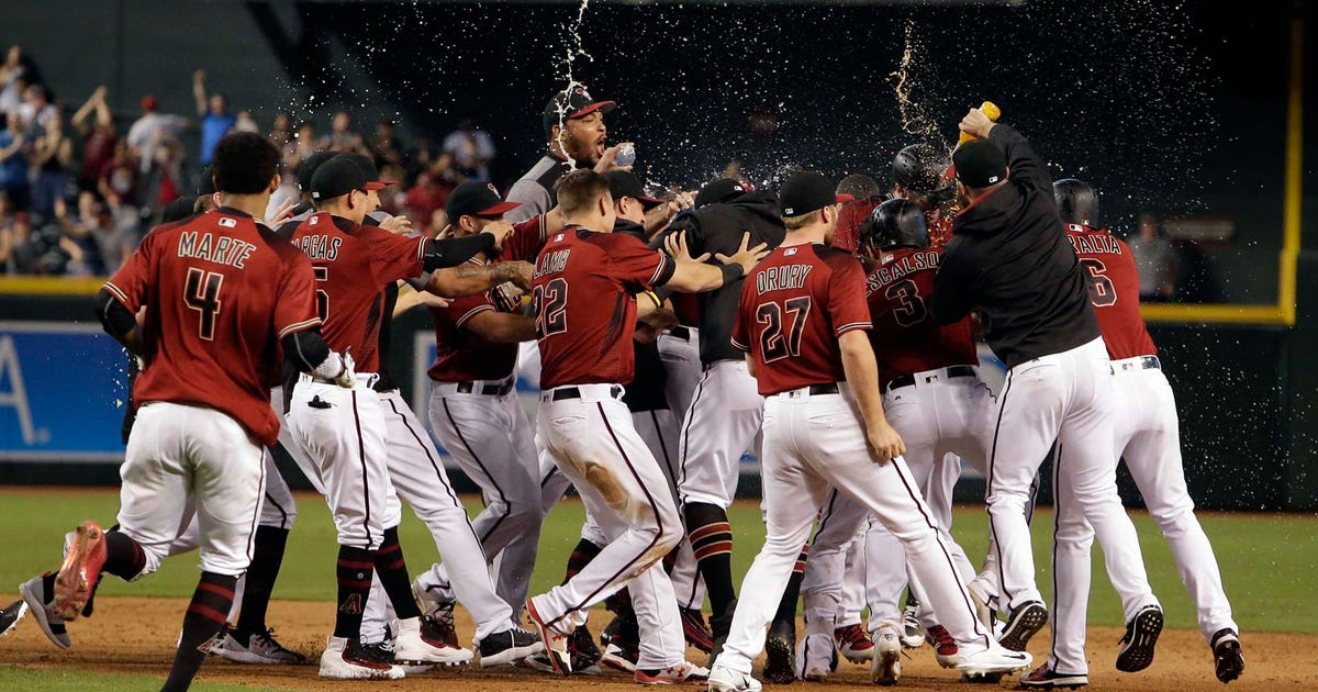 Pi-mlb-dbacks-celebrate-092417.vresize.1200.630.high.0